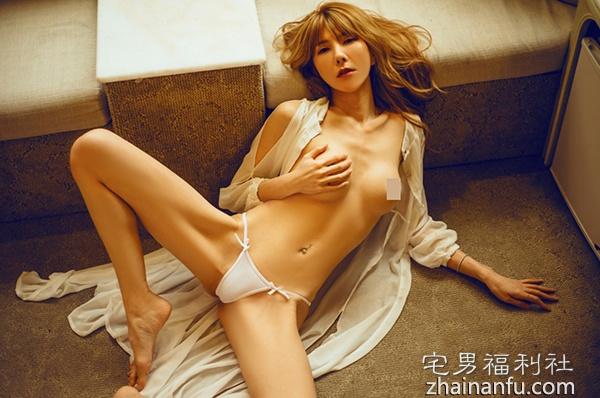 【美女写真】美式狂野风格的大尺度MD黄玛吉性感写真(9P)